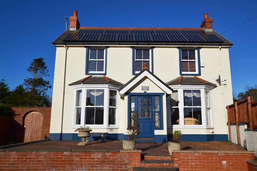 6 Bedrooms Detached House for sale in Tenby