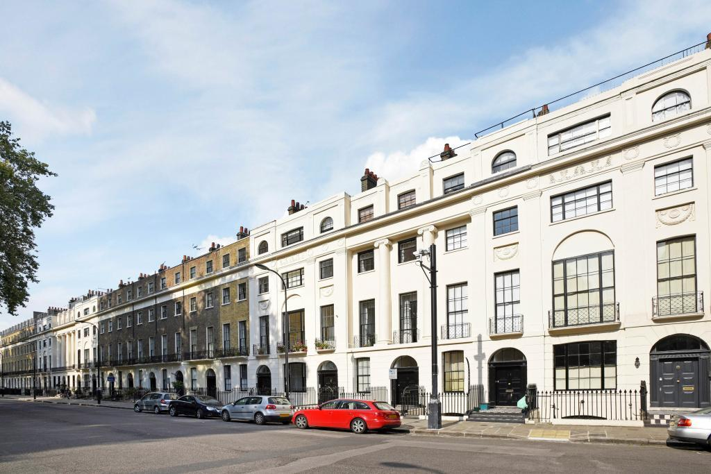 2 Bedrooms Flat for sale in Mecklenburgh Square, Bloomsbury, London, WC1N