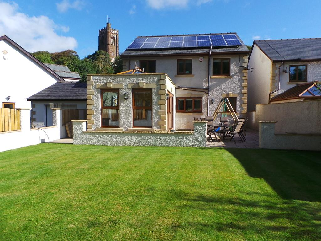 4 Bedrooms Detached House for sale in Underwood Terrace, Dalton-in-Furness