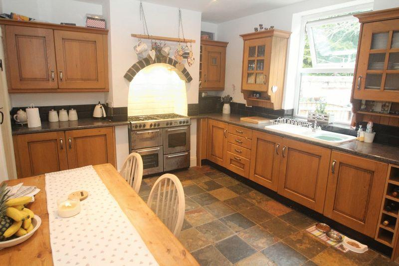 2 Bedrooms Terraced House for sale in Bamford Road, Heywood OL10 4AA