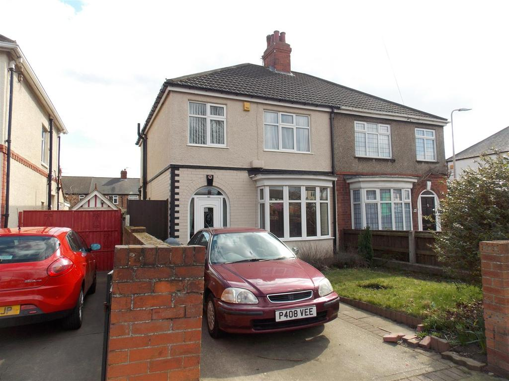 3 Bedrooms Semi Detached House for sale in Yarborough Road, Grimsby