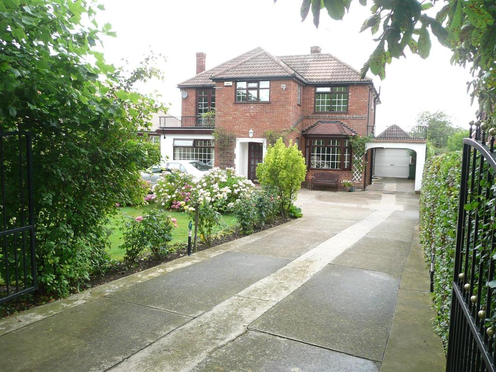 5 Bedrooms Detached House for sale in Humberston