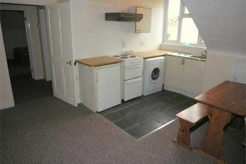 1 bedroom apartment to rent - Flat 6, Cromwell Road, Basingstoke, Hampshire, RG21