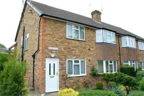 2 bedroom flat to rent - Grassingham Road, Chalfont St Peter, Gerrards Cross, Buckinghamshire