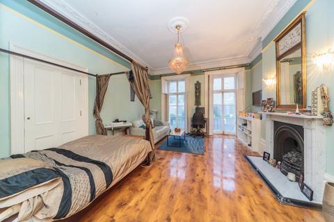 Studio to rent - Sillwood Place, Brighton, BN1