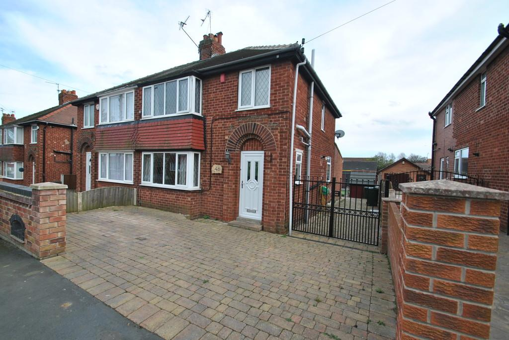 3 Bedrooms Semi Detached House for sale in Scawthorpe Avenue, Scawthorpe, Doncaster, DN5 9DF