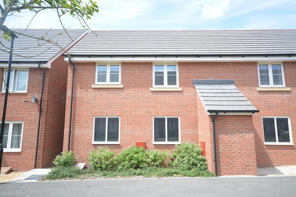 1 Bedroom Flat for rent in Captains Parade, East Cowes