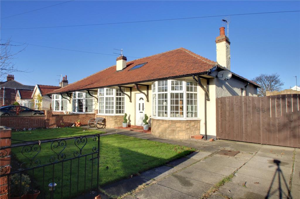 3 Bedrooms Semi Detached Bungalow for sale in Queensland Avenue, Redcar