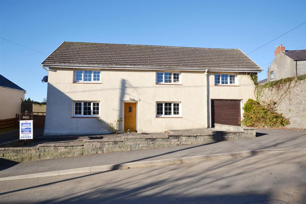 4 Bedrooms Detached House for sale in St Florence
