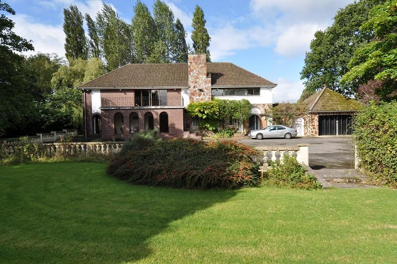 5 Bedrooms Detached House for sale in Pen-Y-Turnpike Road, Dinas Powys, CF64 4HG