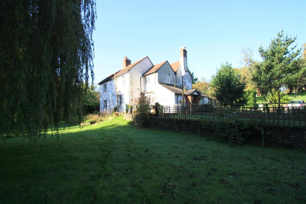 4 Bedrooms Detached House for sale in Ashford Road, Hollingbourne, Maidstone