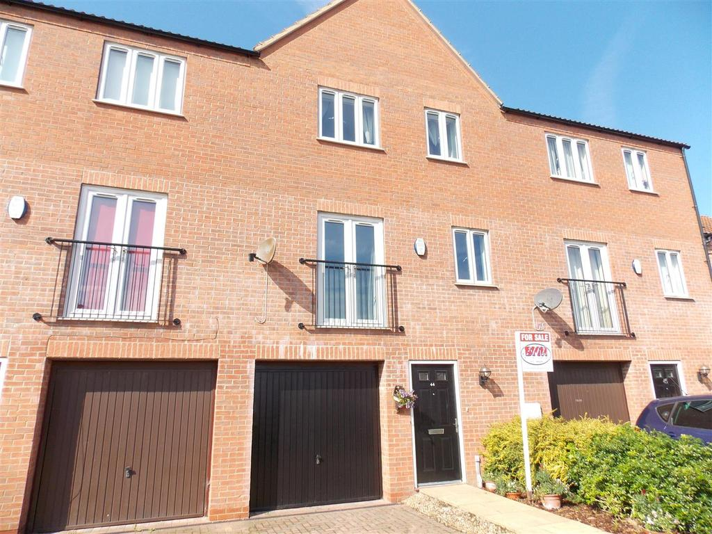 3 Bedrooms Mews House for sale in Danes Close, Grimsby
