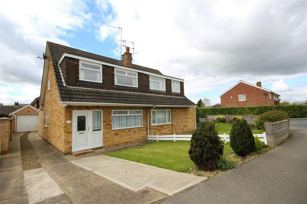 3 Bedrooms Semi Detached Bungalow for sale in Laughton Road, Beverley, East Riding of Yorkshire