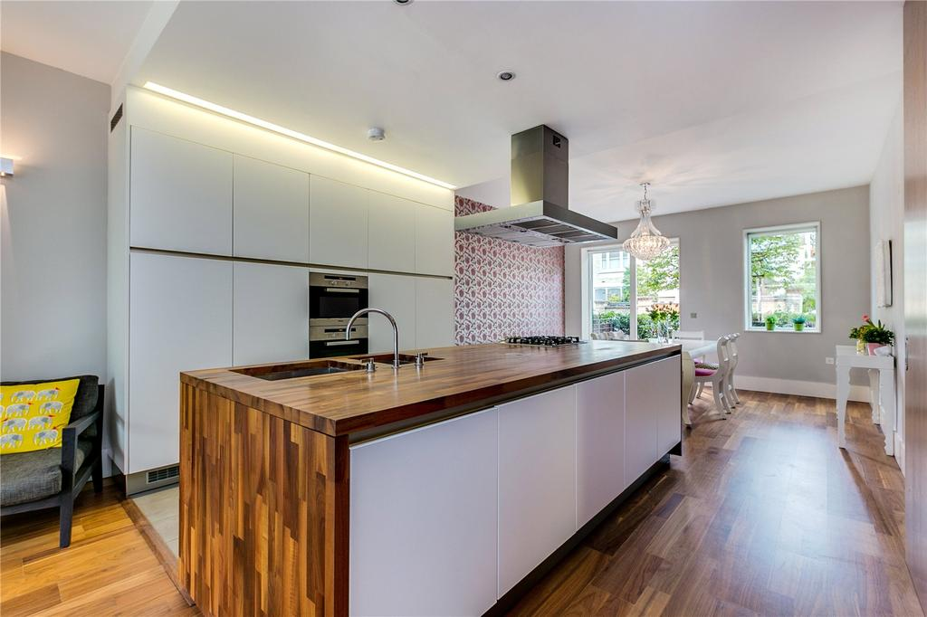 2 Bedrooms Flat for sale in Rayners Road, Putney, London