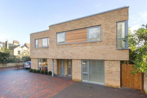 4 bedroom semi-detached house to rent - Eccleston Place, Cambridge