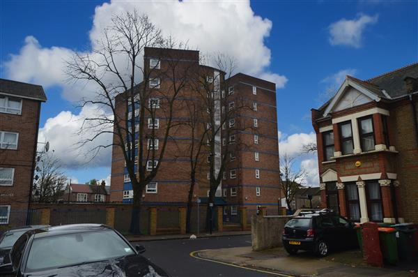 1 Bedroom Apartment Flat for sale in Katherine Road, East Ham