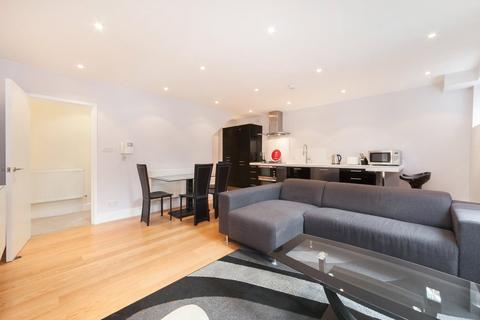 3 bedroom flat to rent - Fitzroy Mews, Fitzrovia, London, W1T