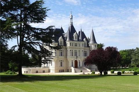 10 bedroom cottage  - Near Poitiers, Poitou-Charente, South West France