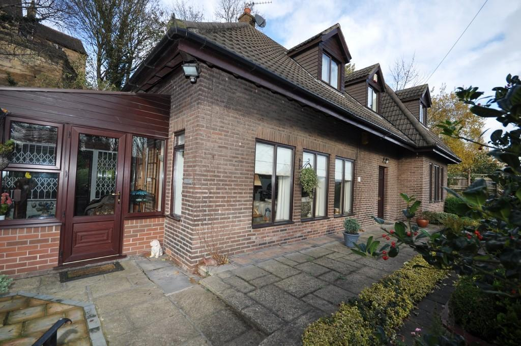 3 Bedrooms Chalet House for sale in Barbican Cottage, Southgate, Pontefract