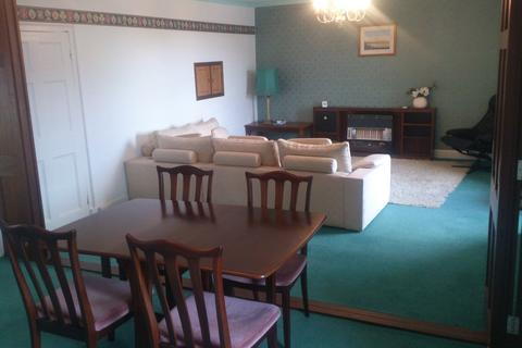 3 bedroom flat to rent - Castle House Flat, Fishguard