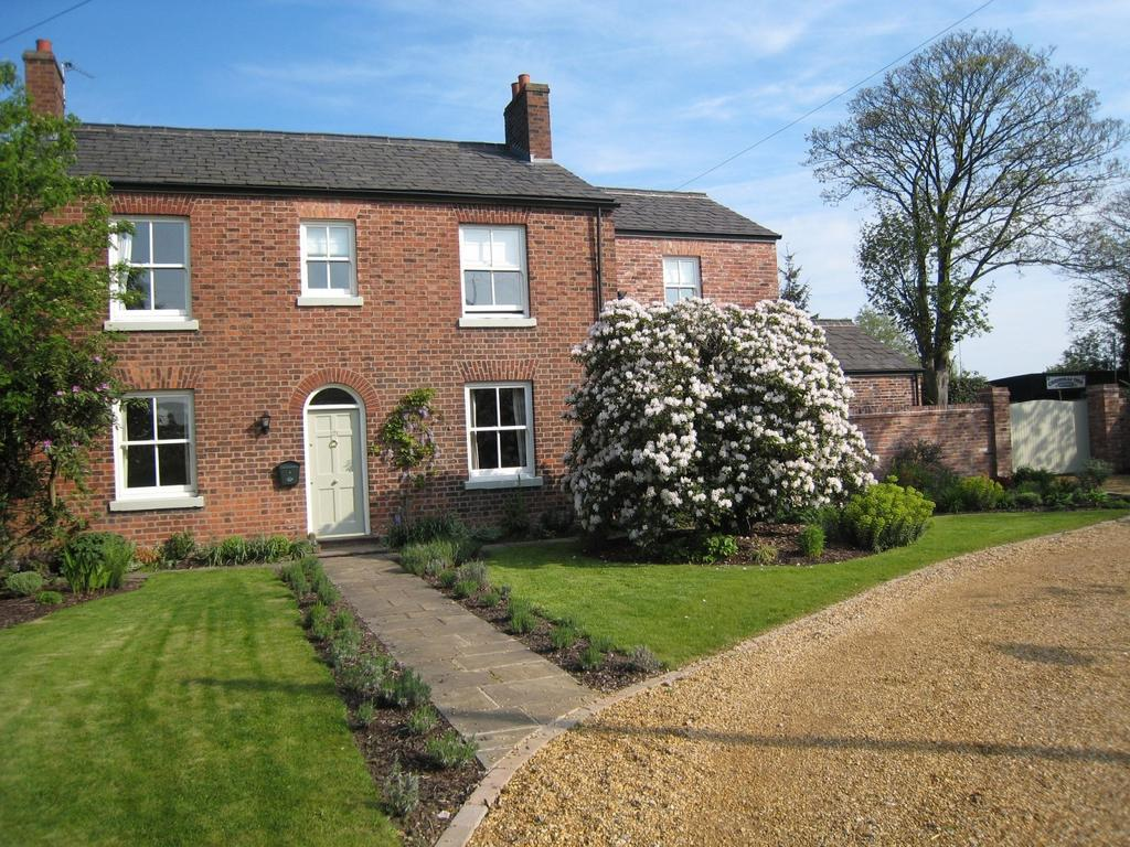 4 Bedrooms Detached House for sale in Mustard Lane, Croft, Warrington