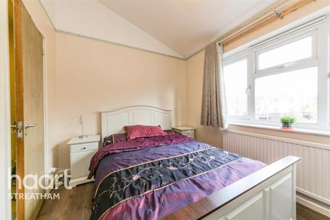 4 bedroom detached house to rent - Goodman Cresent, SW2