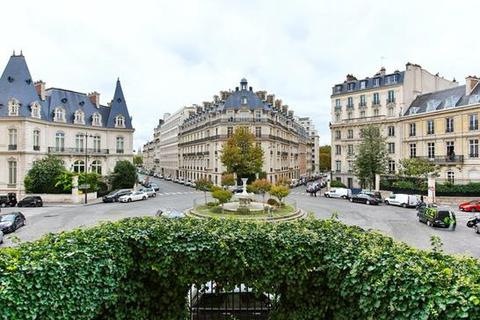 5 bedroom apartment  - Rue Francois 1, Paris 08 Elysee, Ile De France