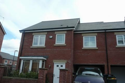 4 bedroom semi-detached house to rent - Pickering Street Hulme M15 5lq Manchester