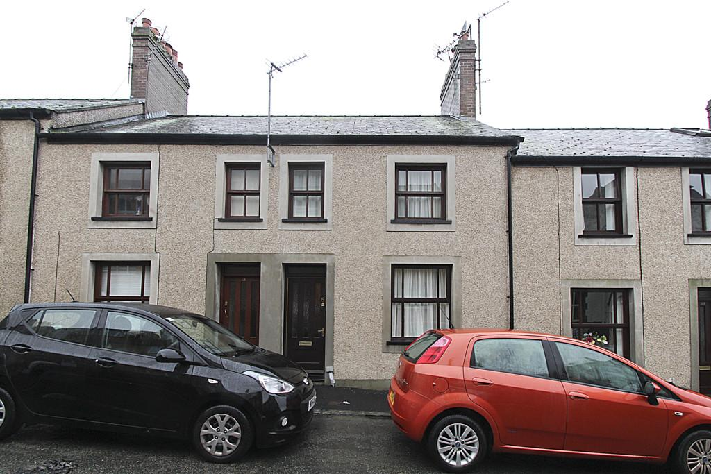 3 Bedrooms Terraced House for sale in William Street, Bangor, North Wales