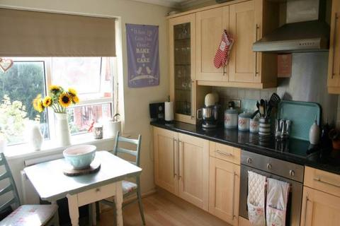1 bedroom flat to rent - Southfields Road, Eastbourne, East Sussex
