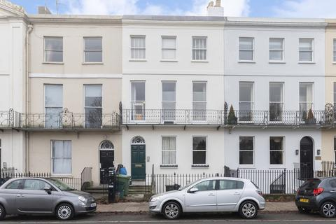 2 bedroom apartment to rent - Montpellier Terrace, Cheltenham GL50 1UX