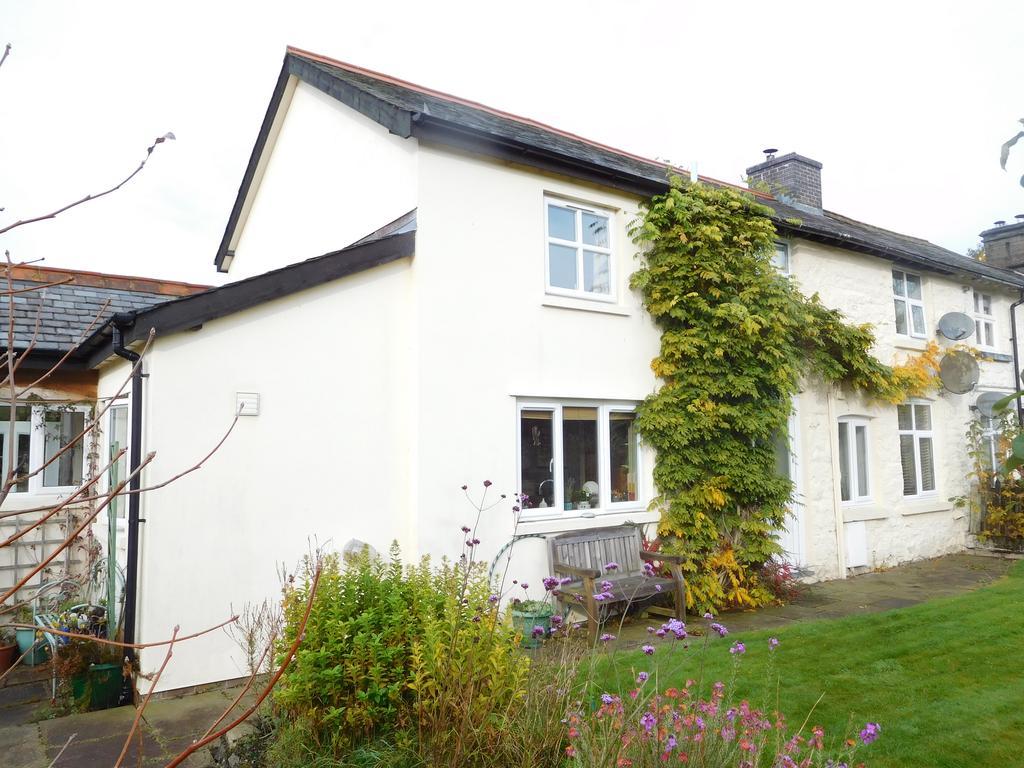 3 Bedrooms Cottage House for sale in 4 UPPER CAERDDU, HOWEY, LLANDRINDOD WELLS LD1