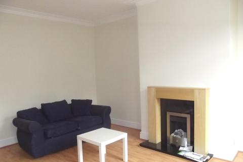 3 bedroom terraced house to rent - Colenso Road, Holbeck, LS10 0DD