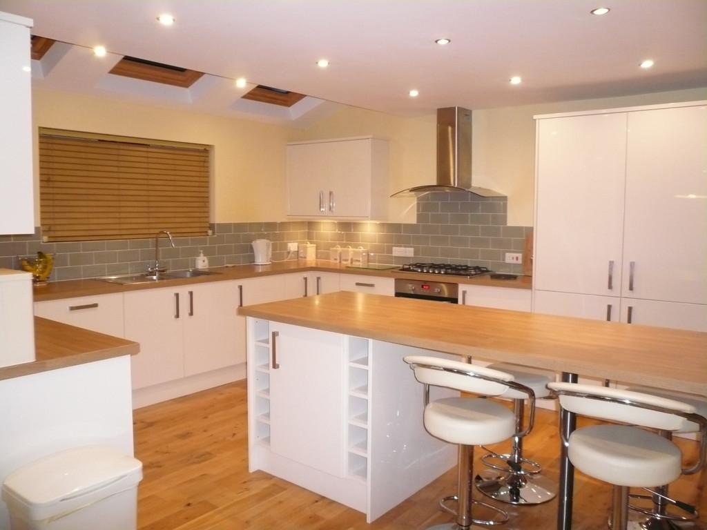 3 Bedrooms Semi Detached Bungalow for sale in Garborough Close, Crosby