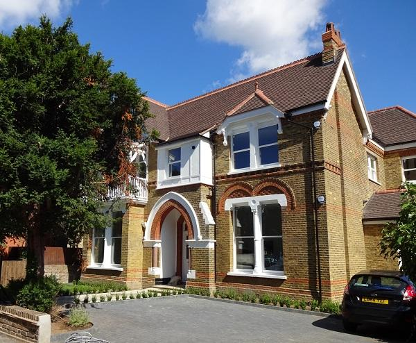 2 Bedrooms Flat for sale in North Common Road, Ealing