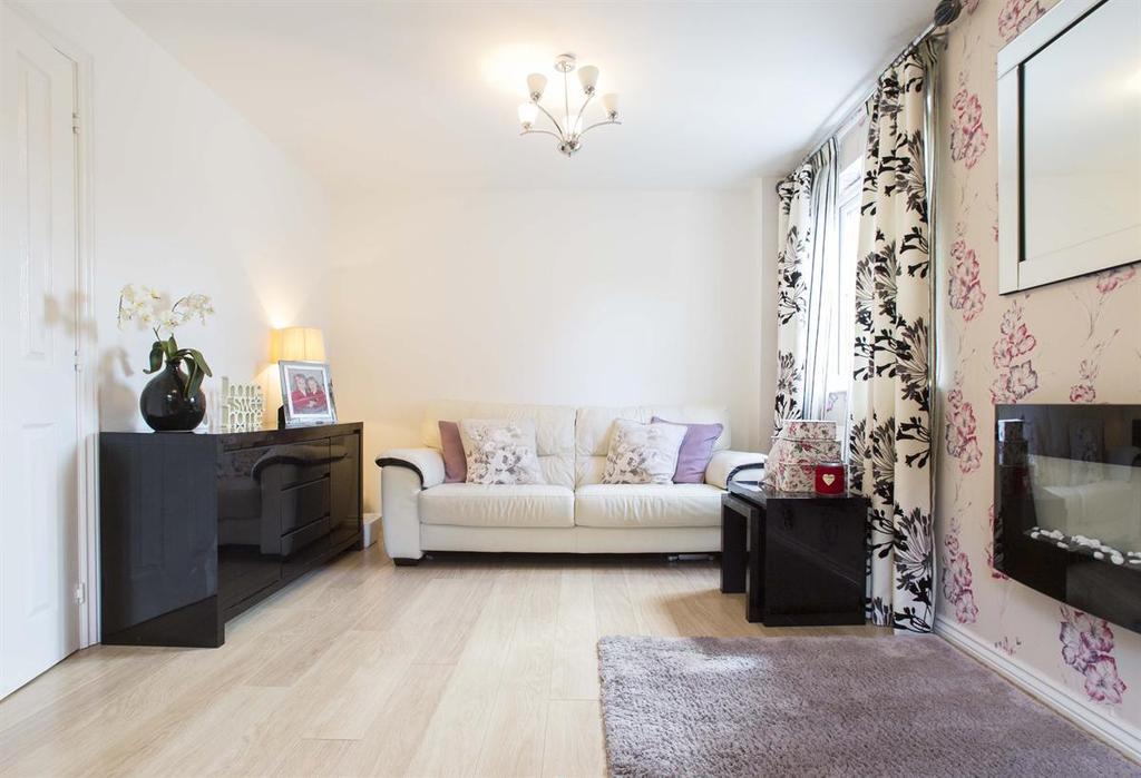 3 Bedrooms Detached House for sale in Penderyn Close, Merthyr Tydfil, CF48 1AS