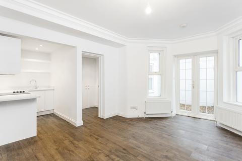 1 bedroom ground floor flat to rent - Sinclair Gardens, London, W14
