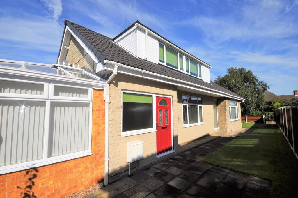 3 Bedrooms Detached Bungalow for sale in Laurold Avenue, Hatfield Woodhouse