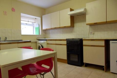 1 bedroom flat to rent - 6a Cradock Street Swansea