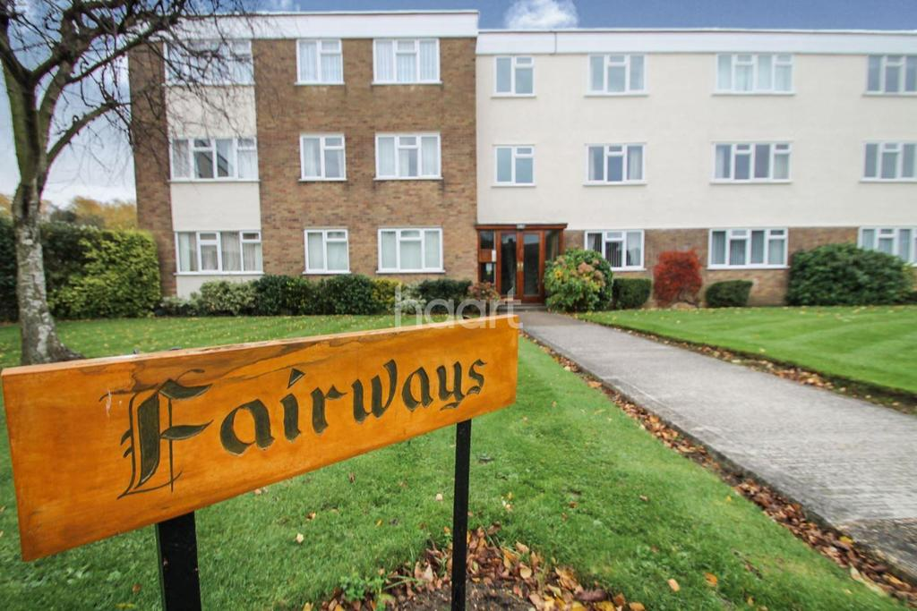 3 Bedrooms Flat for sale in Fairways, Wyatts Drive