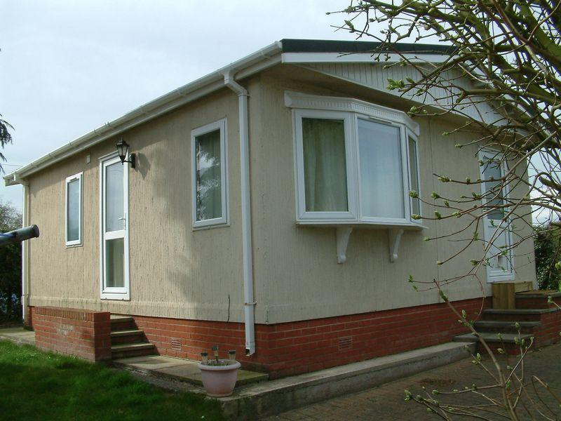 2 Bedrooms Park Home Mobile Home for sale in Long Lane, Telford