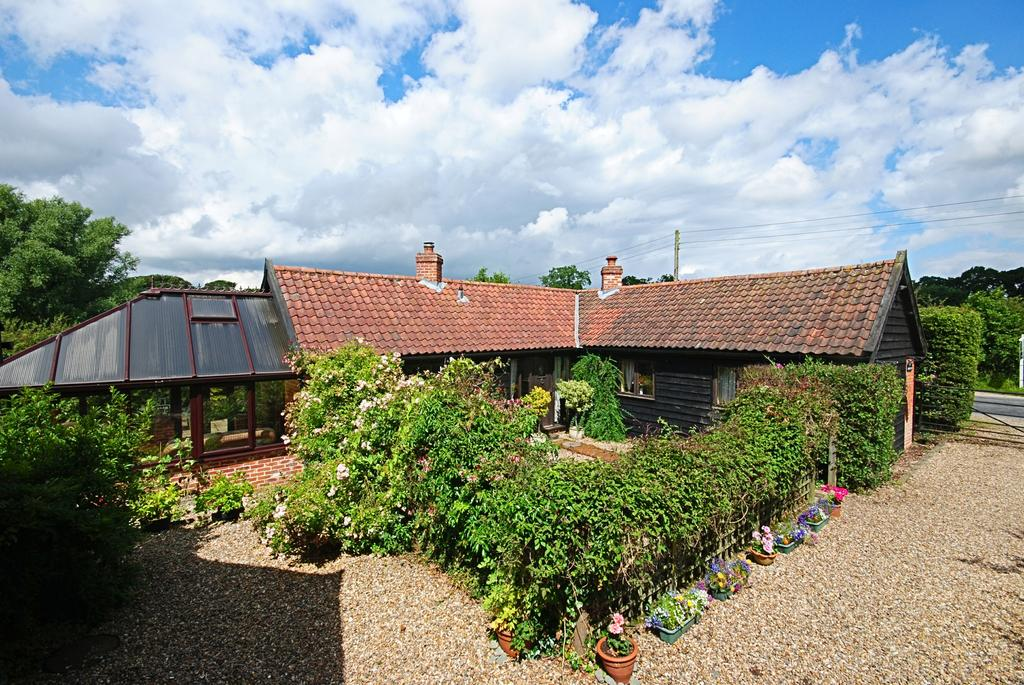 2 Bedrooms Barn Character Property for sale in Rectory Road, Tivetshall St Mary, Norwich NR15