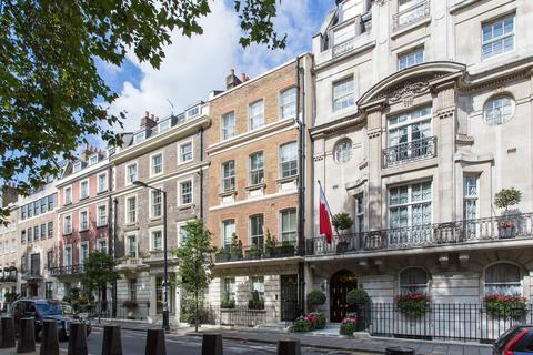 3 bedroom flat to rent - Upper Brook Street, London, W1K