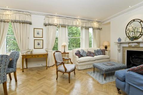 2 bedroom flat to rent - Observatory Gardens, Kensington, London, W8