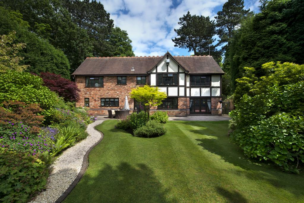 5 Bedrooms Detached House for sale in Roman Road
