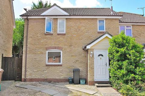 3 bedroom semi-detached house to rent - Gloucester Crescent, Chelmsford, Essex, CM1