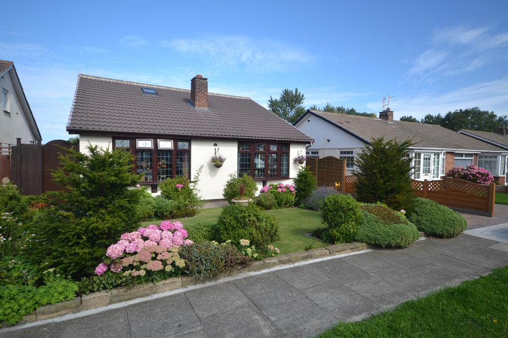 3 Bedrooms Detached Bungalow for sale in Castle Road, Redcar TS10