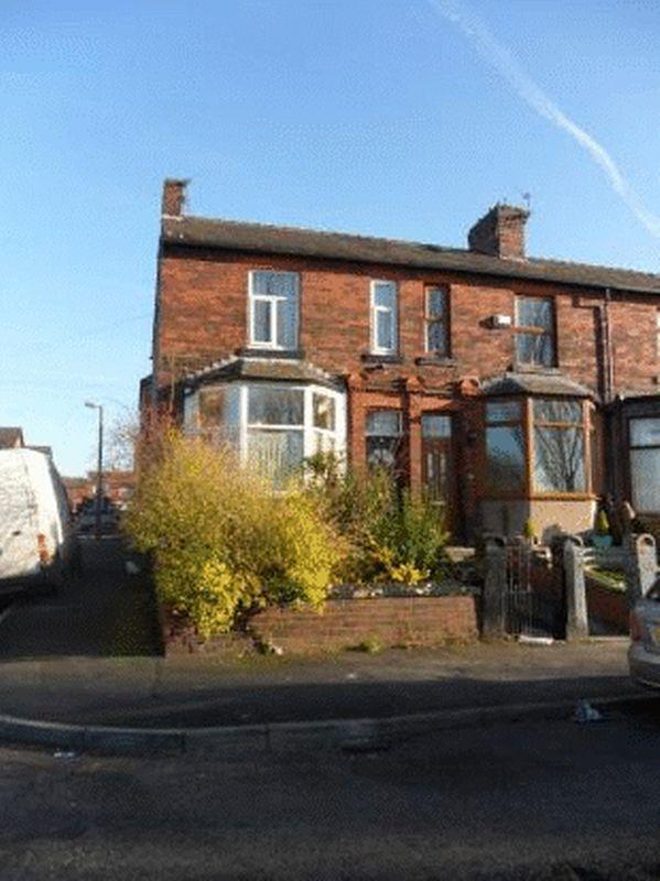 3 Bedrooms Terraced House for sale in Windsor Road, Oldham
