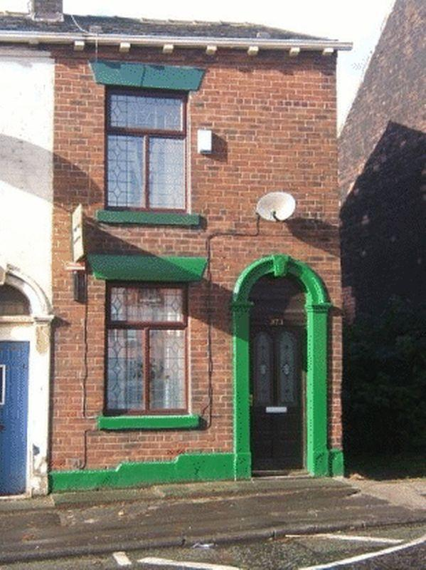 2 Bedrooms Terraced House for sale in 373 Ripponden Road OLDHAM