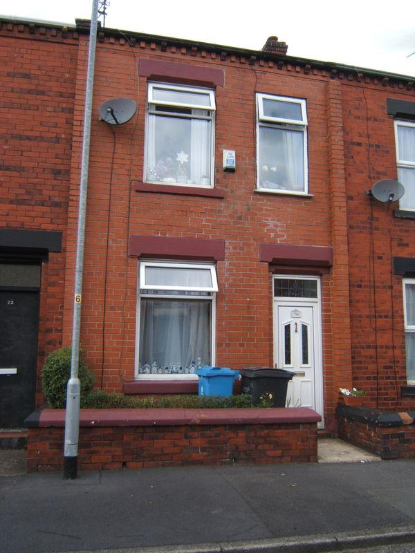 3 Bedrooms Terraced House for sale in Huxley Street, Oldham